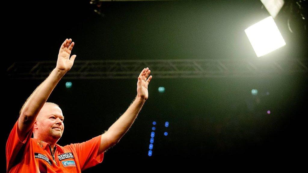 Respect 5 voudig wereldkampioen Raymond van Barneveld